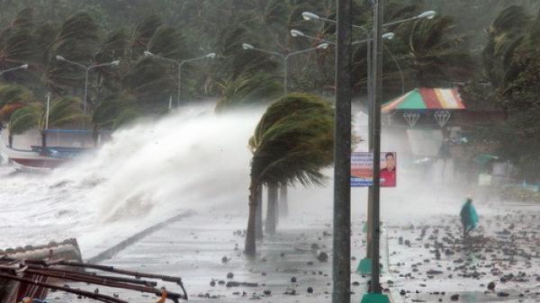 Bão số 10 sắp đổ bộ: Người dân cần chuẩn bị gì khi bão về?