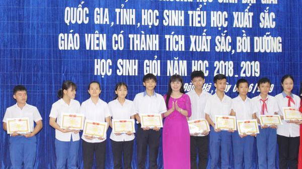 Đông Hà tuyên dương 104 giáo viên và học sinh tiêu biểu
