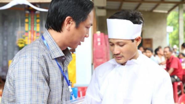 Bộ trưởng Phùng Xuân Nhạ chia buồn cùng gia đình cô giáo bị n ạn tại Quảng Trị