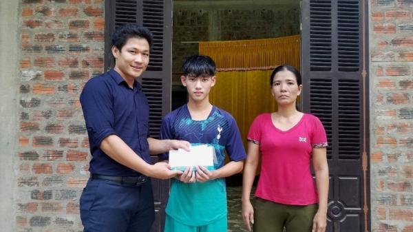 Trao hơn 22 triệu đồng cho học sinh dũng cảm cứu người ở Quảng Bình