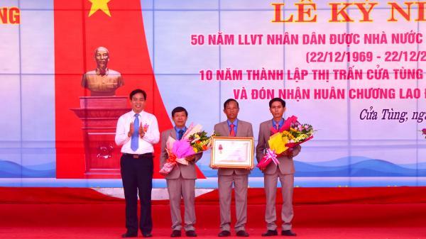 Cửa Tùng kỉ niệm 10 năm thành lập thị trấn và đón nhận Huân chương Lao động hạng Nhất
