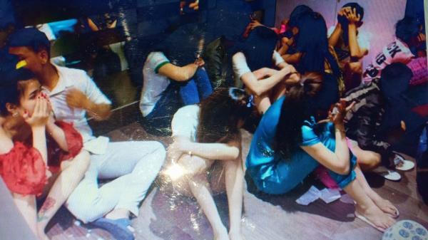 Hàng chục nam thanh nữ tú mê đắm em Mai Thúy trong biệt thự ở Vũng Tàu