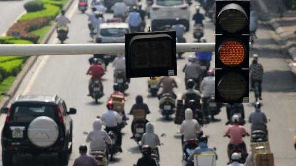 Bắt đầu từ hôm nay, ngày 1/1/2020: Xe máy vượt đèn vàng có thể bị phạt tới 1 triệu đồng