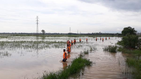 Hơn 100 chiến sĩ tìm kiếm học sinh bị nước cuốn trôi vào cống