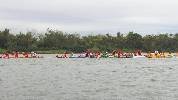Triệu Phong: Sôi nổi lễ hội đua thuyền truyền thống đầu năm