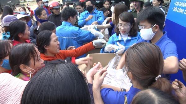 Vĩnh Linh: Cấp phát 4.000 khẩu trang tại các điểm chợ