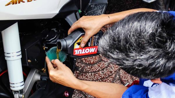 Người thợ sửa xe ở Quảng Trị và chuyến xe chở miễn phí người bị nạn đi c.ấ.p c.ứ.u