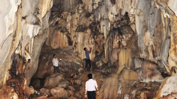 Băng rừng khám phá hang Dơi, động Nước ở Quảng Trị