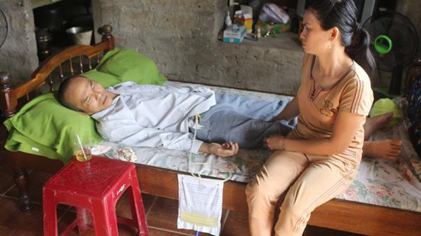 Hoàn cảnh khốn khó vì bệnh tật của người đàn ông ở Cam Lộ