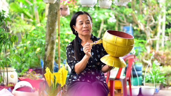 Gio Linh: Biến rác thải nhựa thành chậu hoa