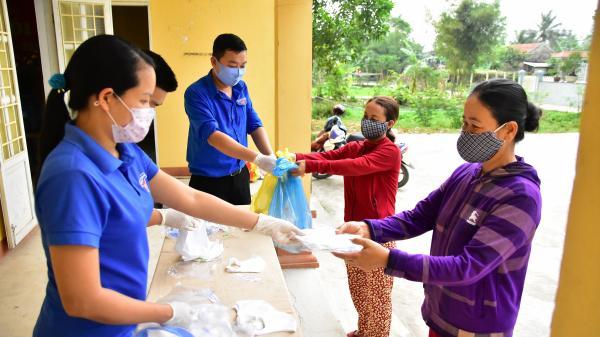 Triệu Phong: Đổi rác thải nhựa lấy khẩu trang