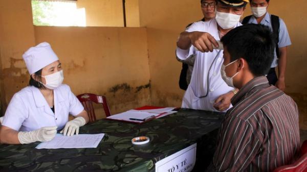 Quảng Trị: Cách ly 12 người từng đến Bệnh viện Bạch Mai