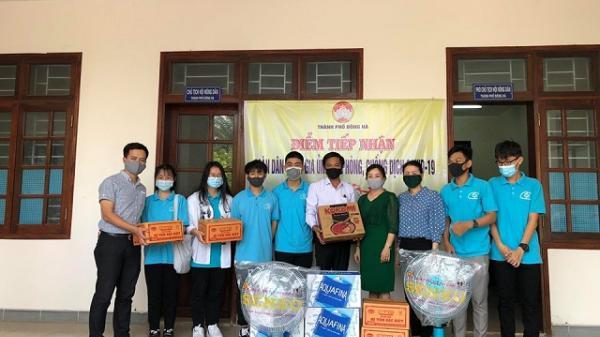Học sinh Quảng Trị góp tiền mua nước, mì tôm tặng các chiến sĩ chống dịch