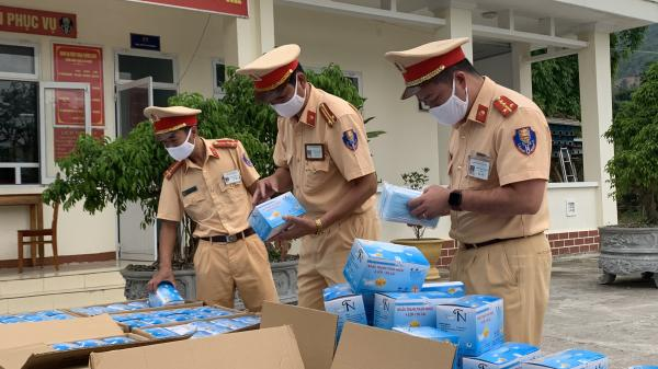 Công an tỉnh Quảng Trị phát hiện vụ vận chuyển 75.000 khẩu trang không rõ nguồn gốc