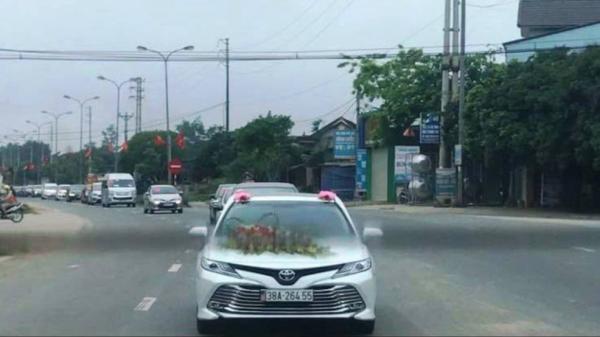 Tạm đình chỉ công tác Phó Giám đốc Bệnh viện ở Hà Tĩnh tổ chức đám cưới rình rang cho con trai giữ mùa dịch Covid-19