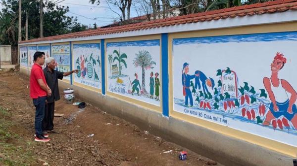 Người giữ truyện trạng bằng tranh ở Vĩnh Linh
