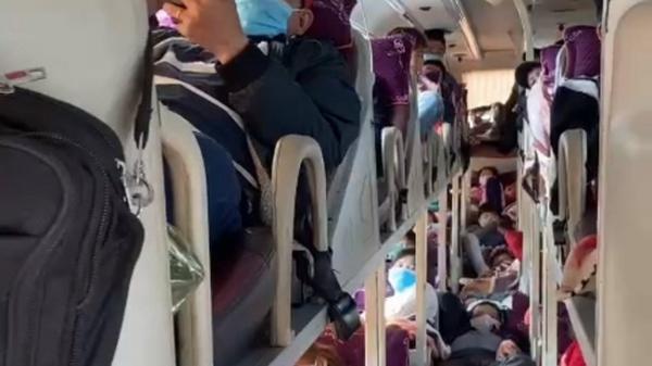 Quảng Trị: Xử phạt nhà xe hơn 50 triệu đồng do nhồi nhét khách