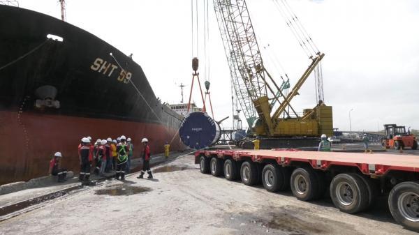 Xuất nhập khẩu đầu năm tại cảng Cửa Việt sôi động
