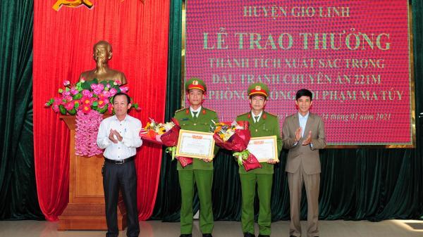 Huyện Gio Linh: Khen thưởng đột xuất về thành tích phòng, chống tội phạm ma tuý