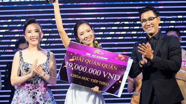 Cô gái Quảng Trị và niềm đam mê dẫn chương trình
