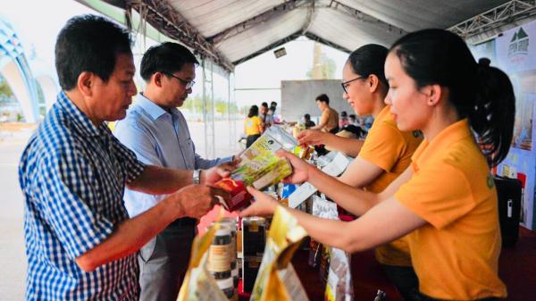 Khai mạc triển lãm các sản phẩm đặc trưng tỉnh Quảng Trị