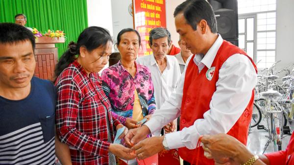 Sóc Trăng: Chung tay chăm lo cho người nghèo và nạn nhân chất độc da cam đón tết