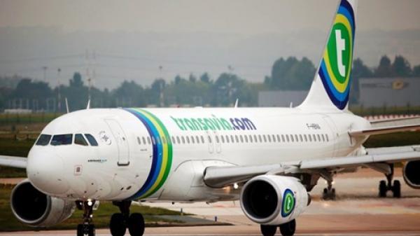 Máy bay Hà Lan hạ cánh khẩn vì hành khách không ngừng 'xì hơi'