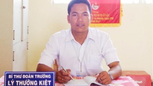 Chân dung thầy giáo nhiều lần đạt bằng khen trong công tác Đoàn ở Trường THPT Hòa Tú