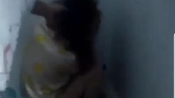 """Sóc Trăng: Người phụ nữ lột áo """"tình địch"""" khi đánh ghen ra đầu thú"""