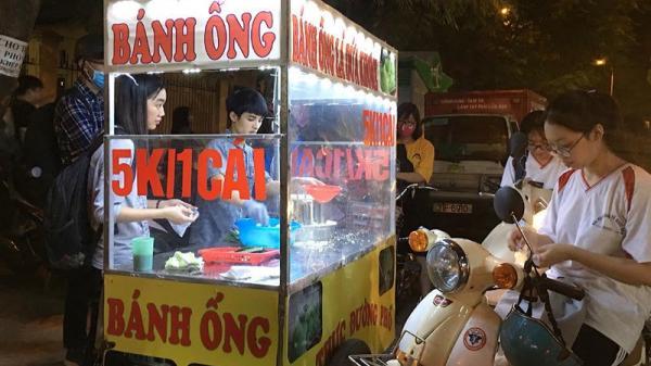 """Mang bánh ống Sóc Trăng """"bám"""" vỉa hè Hà Nội, chàng trai thu 70 triệu/tháng"""