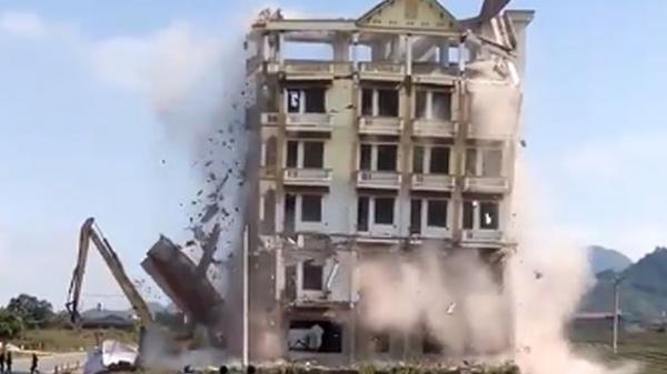 Mộc Châu đánh sập tòa nhà 7 tầng của trùm ma tuý Tàng KeangNam
