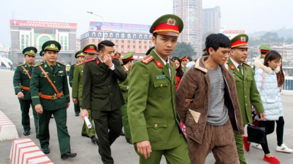 Trung Quốc trao trả 7 nạn nhân, 1 đối tượng vượt biên trái phép người Việt Nam