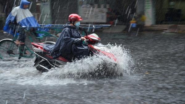 Dự báo thời tiết 23/5: Sài Gòn mưa to, miền Bắc lo lở đất