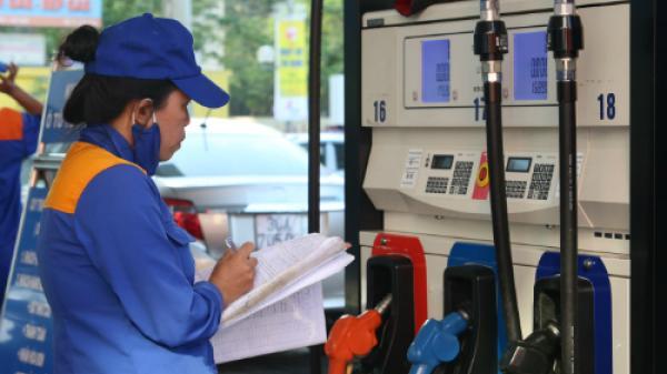 Giá xăng giảm từ 15h