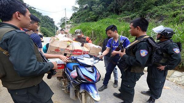 Cảnh sát kiểm tra gắt gao đường vào 'thung lũng ma túy' Tà Dê, Sơn La
