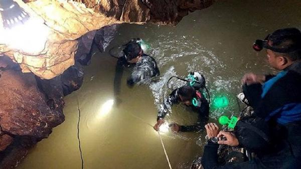 Một thợ lặn đặc nhiệm thiệt mạng khi giải cứu 13 thành viên đội bóng Thái Lan