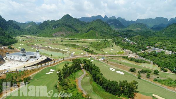 Sân Golf Kim Bảng - Điểm nhấn của Khu du lịch Tam Chúc