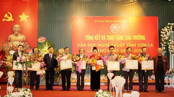 Hội Liên hiệp VHNT tỉnh: Trao Giải thưởng VHNT tỉnh Sơn La lần thứ Nhất