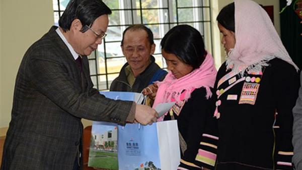 Phó Chủ tịch Quốc hội Phùng Quốc Hiển về Lai Châu thăm và chúc Tết bà con nhân dân