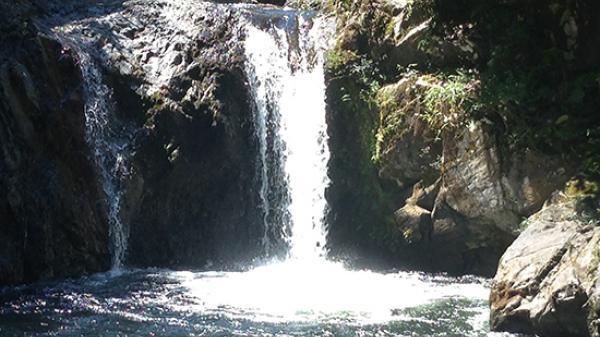 Đi chơi Tết ở thác nước, nam thanh niên trượt chân t.ử v.ong