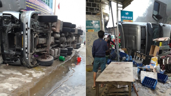 Xe container đổ phơi bụng vào nhà dân, tài xế g.ãy xương bả vai tại QL6