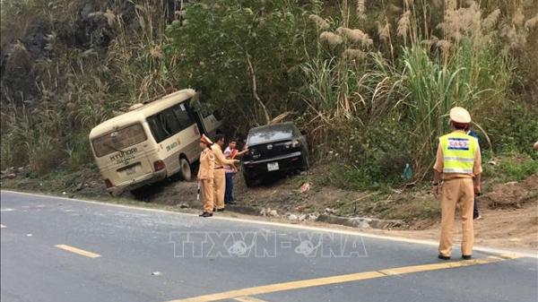 Ô tô tải BKS Bắc Ninh gây tai nạn liên hoàn trên QL6, lái xe vội vàng bỏ trốn khỏi hiện trường