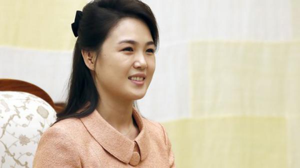 Vợ Chủ tịch Kim Jong Un - đệ nhất phu nhân của Triều Tiên xinh đẹp và bí ẩn thế nào?