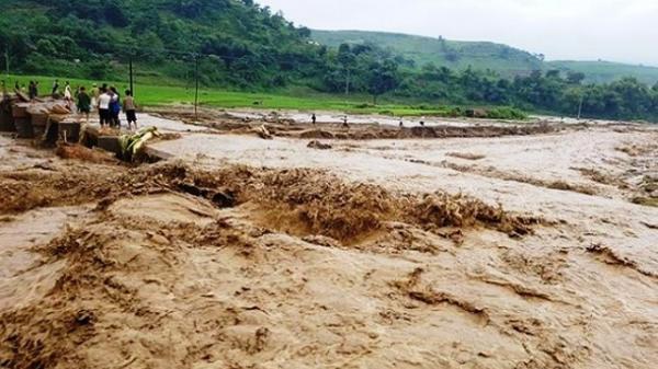 Bắc Bộ mưa lớn, nguy cơ lũ quét, sạt lở đất ở vùng núi