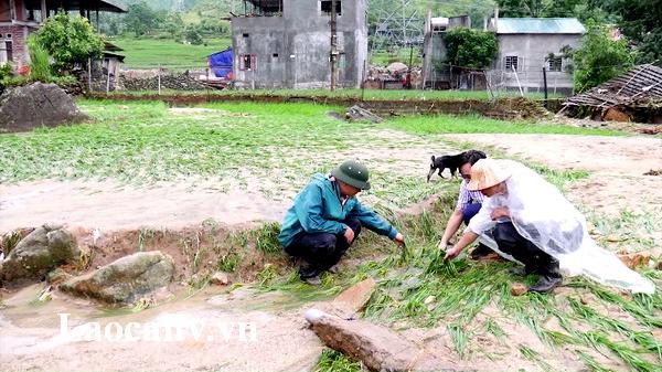 Chủ đầu tư Nhà máy thủy điện Sử Pán 1 (Lào Cai) hỗ trợ 700 triệu đồng để người dân Bản Hồ khắc phục hậu quả lũ quét