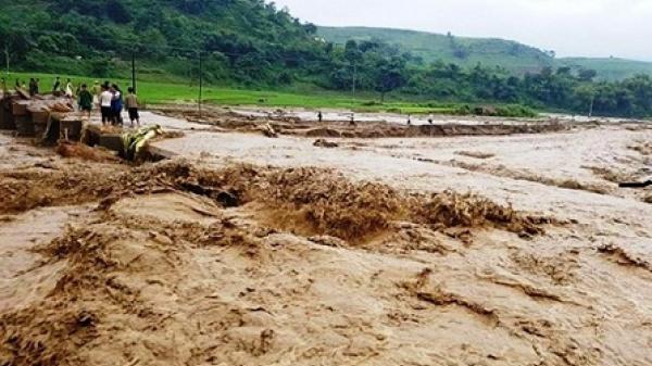 Dự báo thời tiết 11/7: Bắc Bộ có nơi mưa rất to, Lào Cai nguy cơ cao xảy ra lũ quét, sạt lở đất
