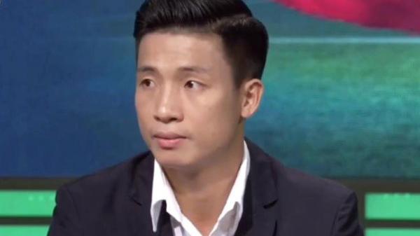 Bùi Tiến Dũng lịch lãm khi bình luận trước trận Việt Nam - Lào