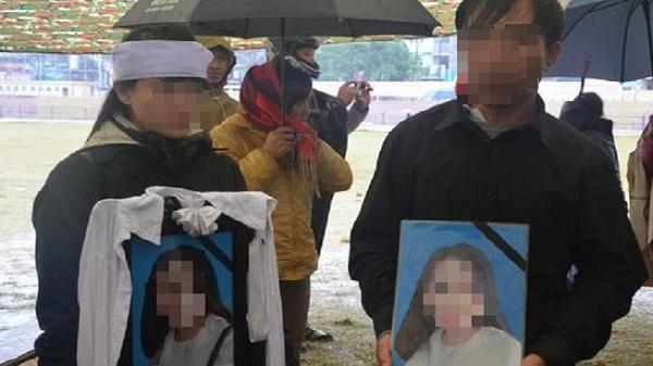 Gia đình nữ sinh giao gà bất ngờ làm đơn xin không tử hình 6 bị cáo sát hại con gái mình