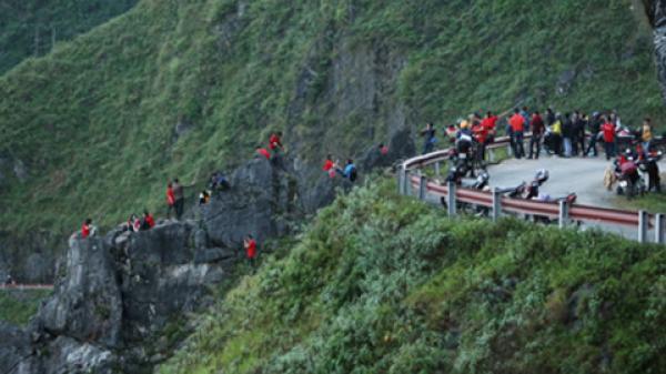 """Du khách đi """"phượt"""" gặp nạn tử vong tại đèo Mã Pì Lèng, Hà Giang"""