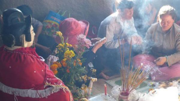 """Hang Hàm Rồng, núi Bà Đen Tây Ninh và thực hư chuyện """"cầu được ước thấy"""""""